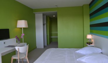 hôtel de Guyenne chambres grand lit côté lycée